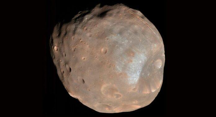 супутник Марса Фобос