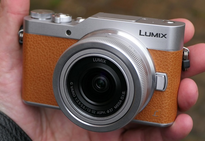 Panasonic Lumix DC-GX880 Kit 12–32 мм