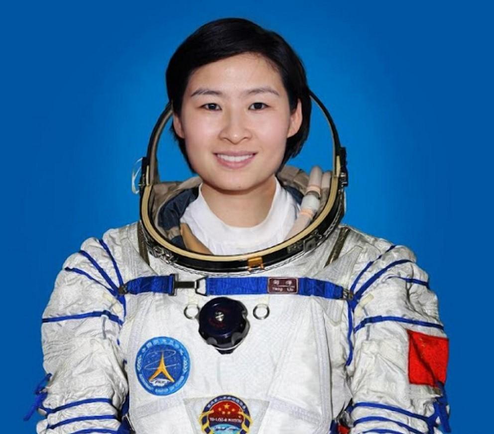Перша китаянка в космосі - Лю Ян