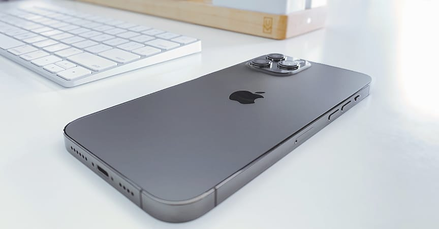 Apple iPhone 13 Mockup