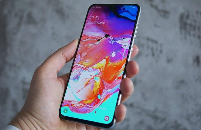Топ-10 доступных современных смартфонов, лето 2021 года