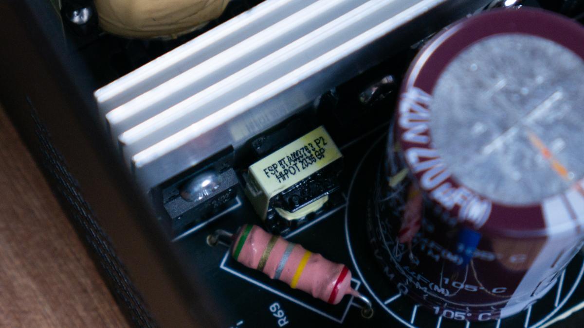FSP HEXA 85+ PRO 550W