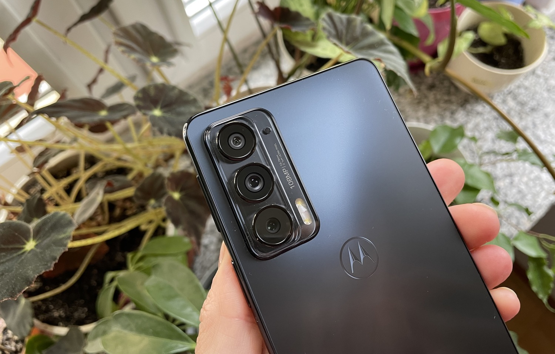 Камери Moto Edge 20