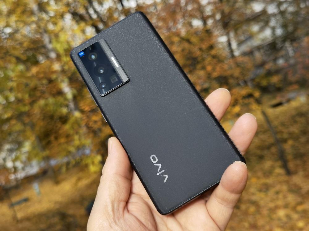 Обзор vivo X70 Pro: Флагманский смартфон с оптикой Zeiss